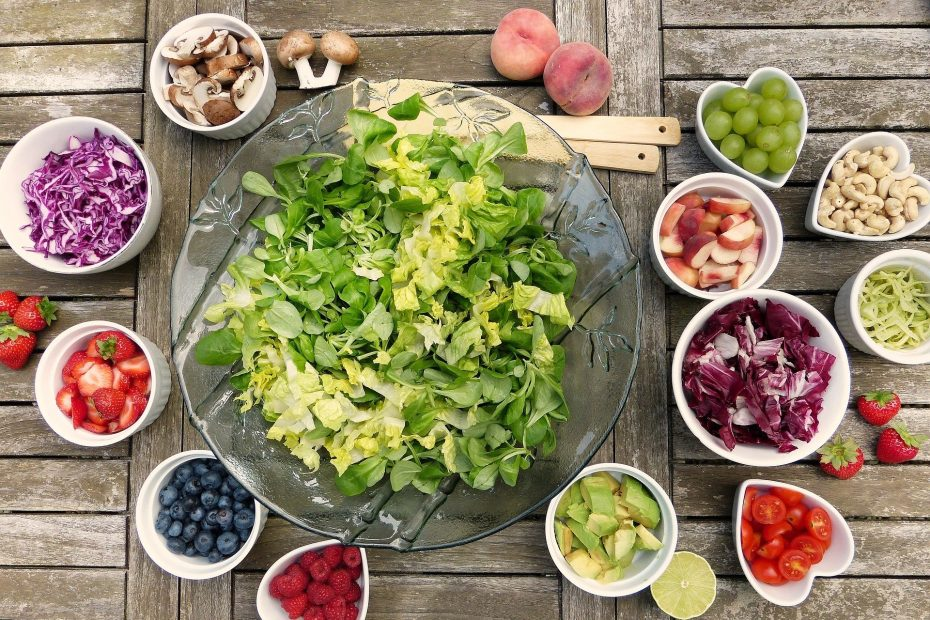 How to eat less without noticing